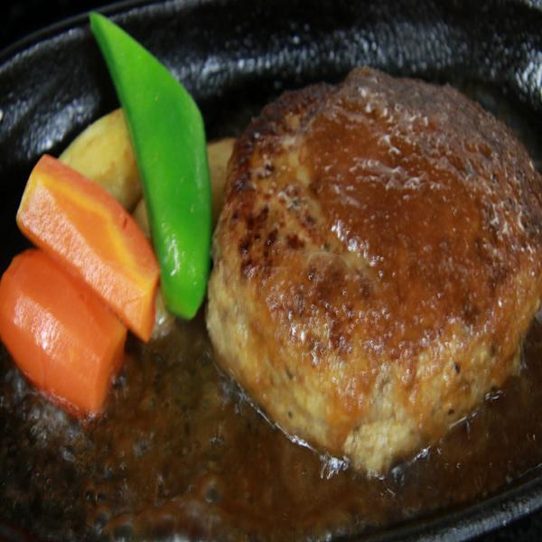 みしま和実シェフ自慢の牛・豚 手ごねハンバーグ特製ソース付き